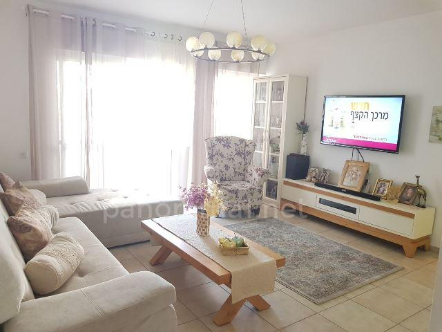 Apartment For Sale in Ashkelon