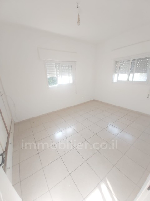 For rent Apartment Hadera