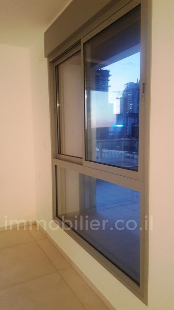 For rent Penthouse Bat yam